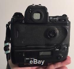 Nikon F5 35mm SLR Film Camera Body Only in nice shape with Quick release plate